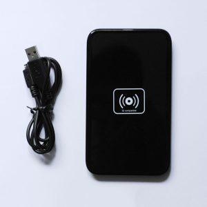 Безжично зарядно устройство (4)